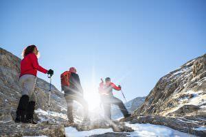 junge Führungskraft erfolgreich ältere Mitarbeiter führen