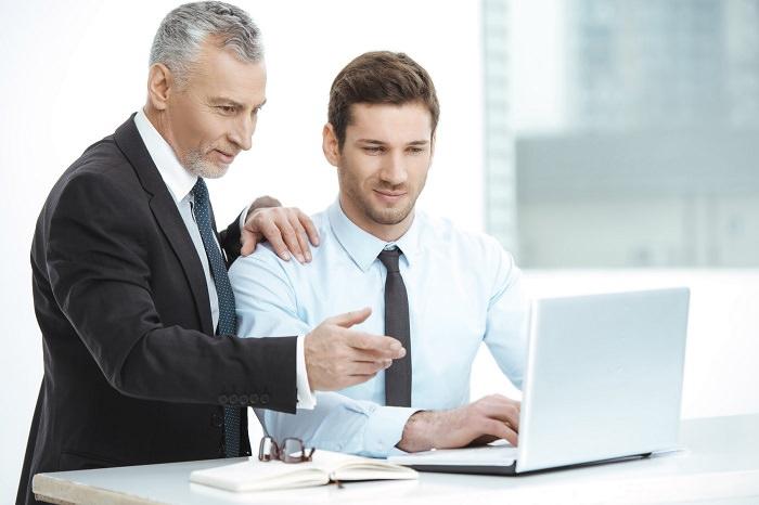 altersgemischte Teamarbeit Generationenmanagement